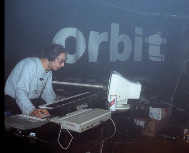 Mike Paradinas DJ producer Orbit club venue analogue gear yamaha keyboard united kingdom great britain Rephlex night james lange photographer